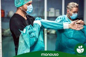Betere goedkope wegwerp-operatiejurken